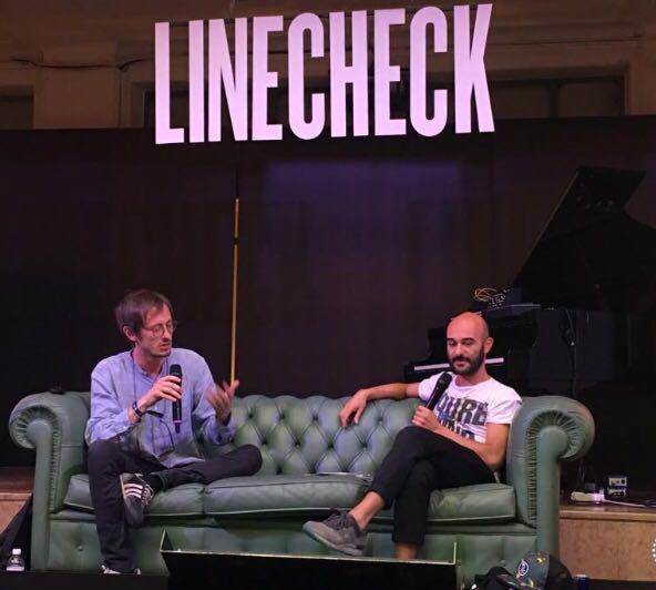 linecheck-speakers-sofa